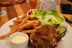 mondo burger